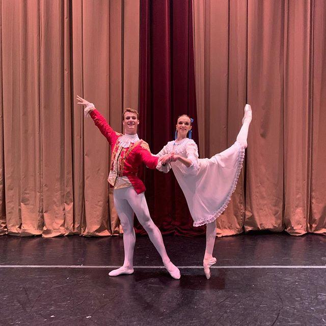 5 shows down 12 to go!!💪🏼❤️ #nutcracker #ballerina #ballet #pointeshoes #picoftheday #sophiabovet #lifeoftheballerina #southlandballetacademy #festivalballettheatre pc: @meganyamashita