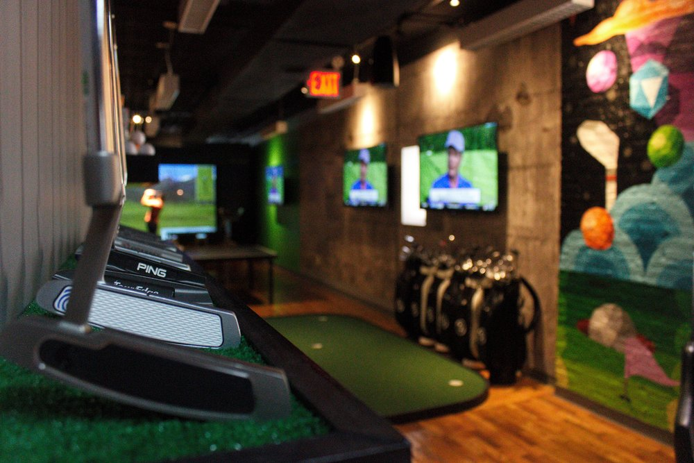 High-end Equipment    Use Top-of-the-line Clubs and Balls on Us