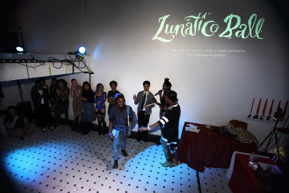 lunatic-ball_33364144940_o.jpg