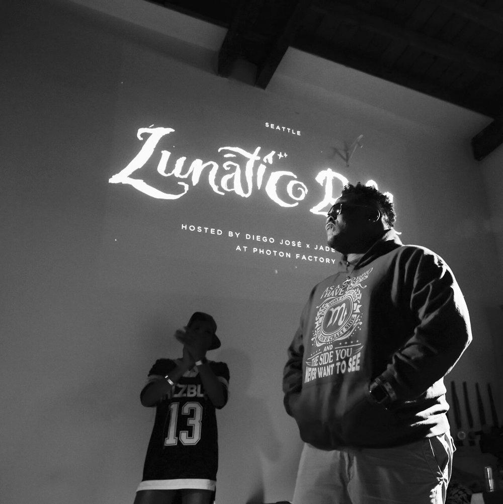 LunaticoBall-128.jpg