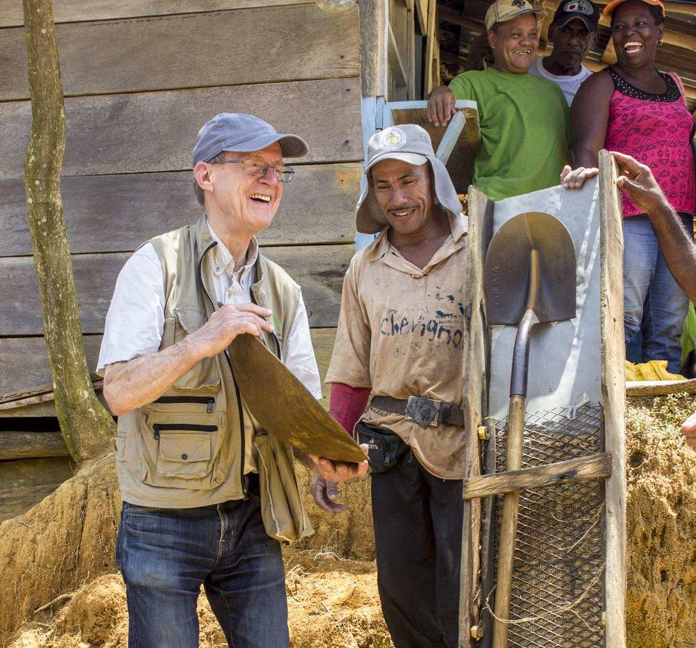 San Antonio, Colombia miner Gabriel Macea w/ batea, portable sluice & shovel              Credit: Sebastian Villa