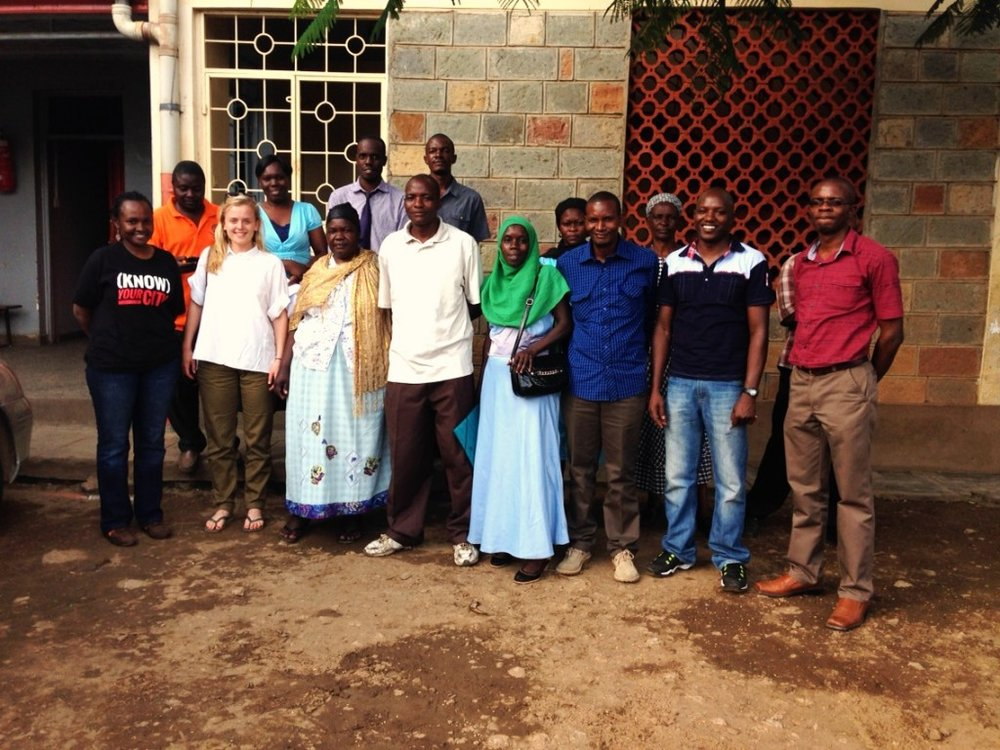 A group photo of the Nyalenda Community, Muungano Federation, EWB UCL and MUST