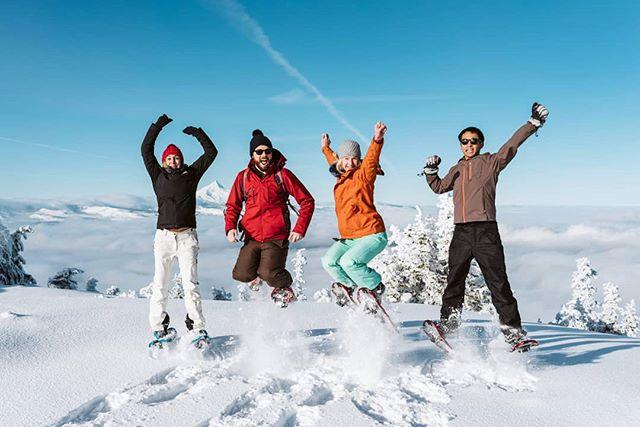 Merry Christmas Everyone🎄☃️ #blackbutte #blackbuttetrail #merrychristmas #bestchristmasever #amazing_shots #mountainchicks #couples #bloggerstyle #christmas #amazingplaces #bestdayever #seattlephotographer #hiking #snowphotography #snowshoeing #wonderlust #adventure #epiccaptures #pnwphotographer #pnwstyle #livinglifetothefullest #lovemylife #amazing_captures #bendoregon #bendoregonlifestyle #deschutesnationalforest