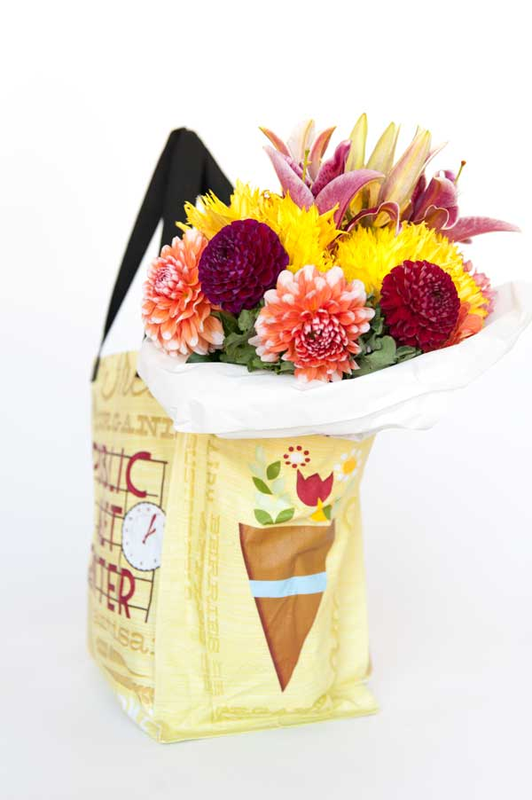 Pike Place Market Tote With Flowers