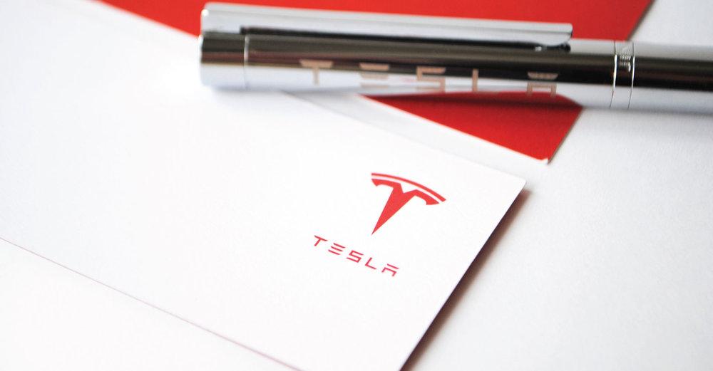 Creative_Retail_Packaging_Custom_Luxury_Tesla_06.jpg