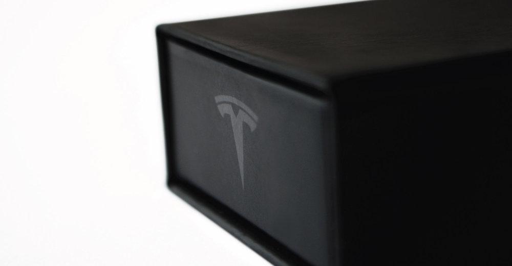Creative_Retail_Packaging_Custom_Luxury_Tesla_07.jpg