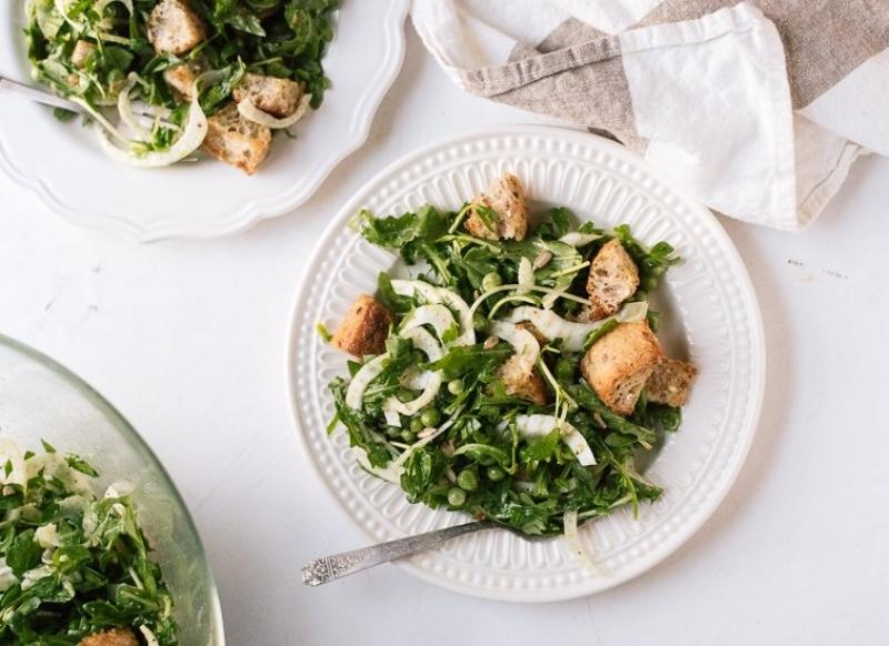 spring-panzanella-salad-recipe.jpg