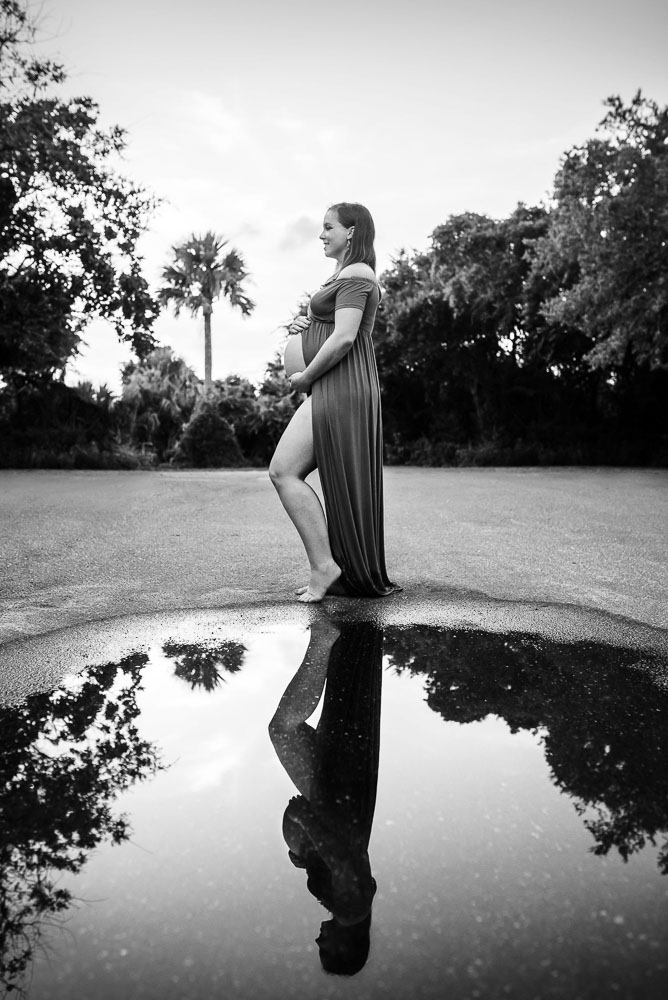 pregnant-woman-reflection-jacksonville