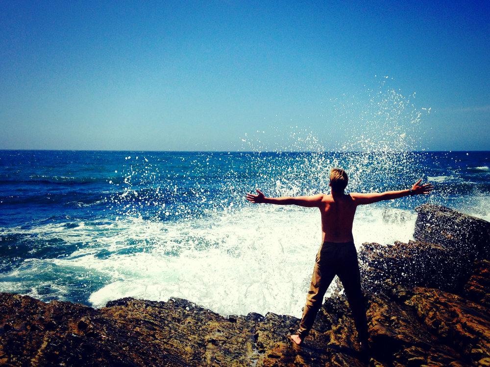 waves splaching.jpg