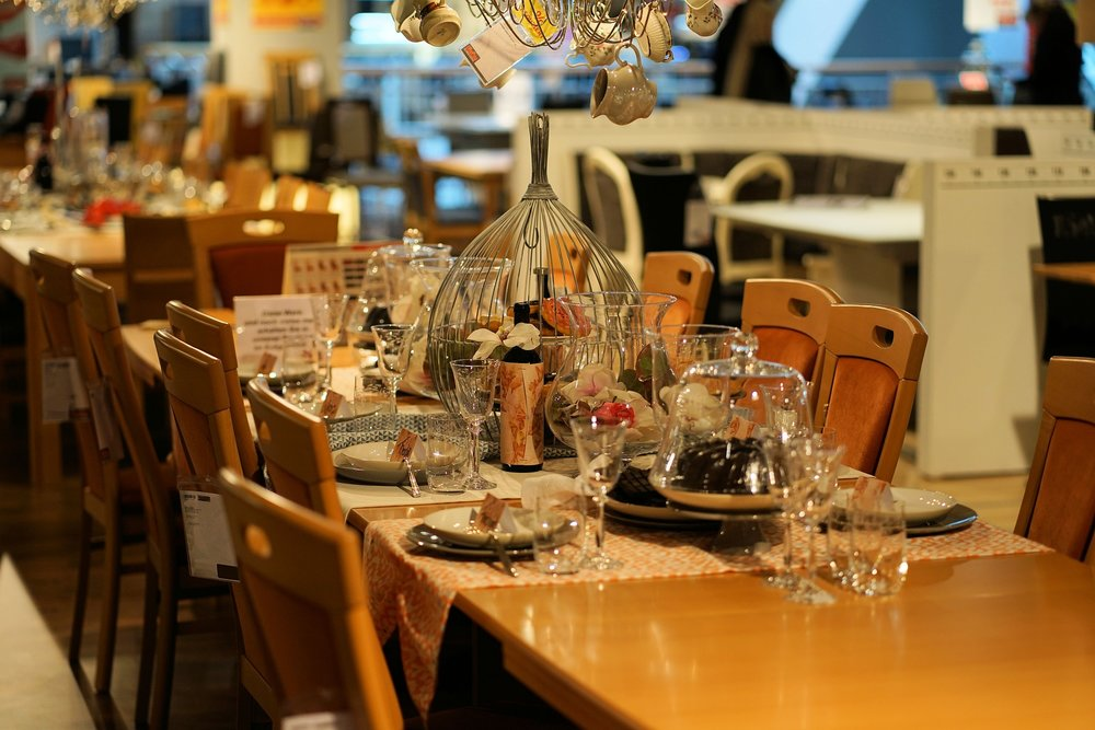 table-3179261_1920.jpg