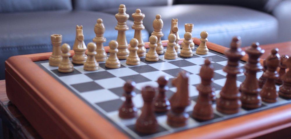 bishop-board-game-checkers-65169.jpg