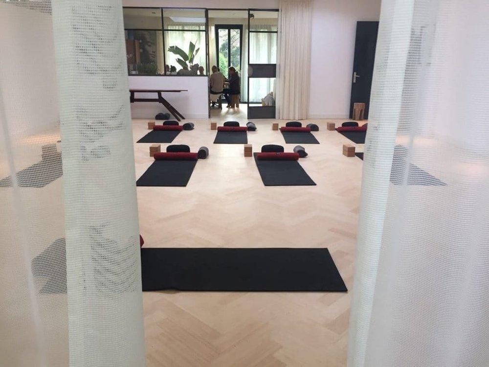 Yogaruimte-Het-Lichthuis-1030x773.jpg