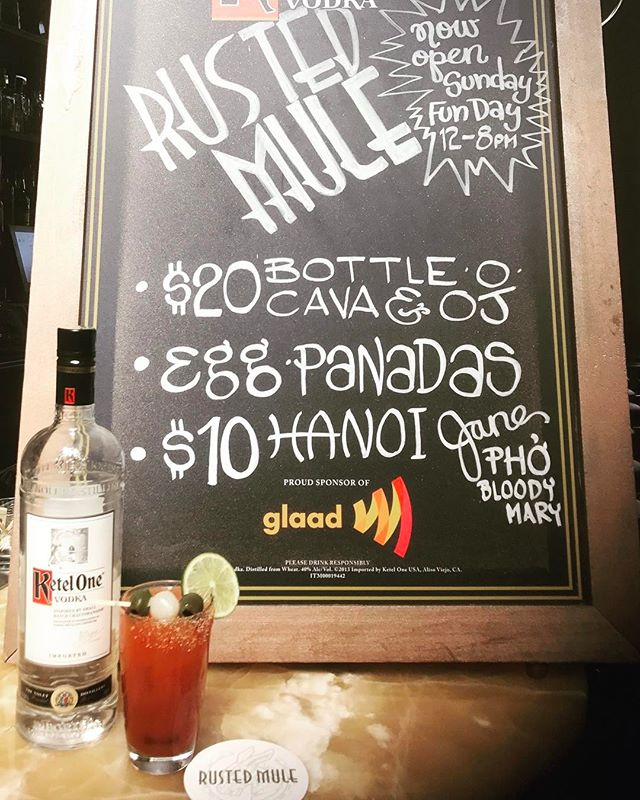 We love to punish your liver @rustedmule end your week off right, Sunday Fun Day.  12-8 Happy Hour All day. #drinkandplay #sundayfunday #sundaysarefordrinking #cocktail #rustedmulesf #usbgsf #drinkingmadeeasy #bloodymaryphoyou #bloodymarys #micheladas #idrinkforfun #ketelone #selflessplugs @just_tuck_it #🍸🥃🌶🍹🥂🍻🍺