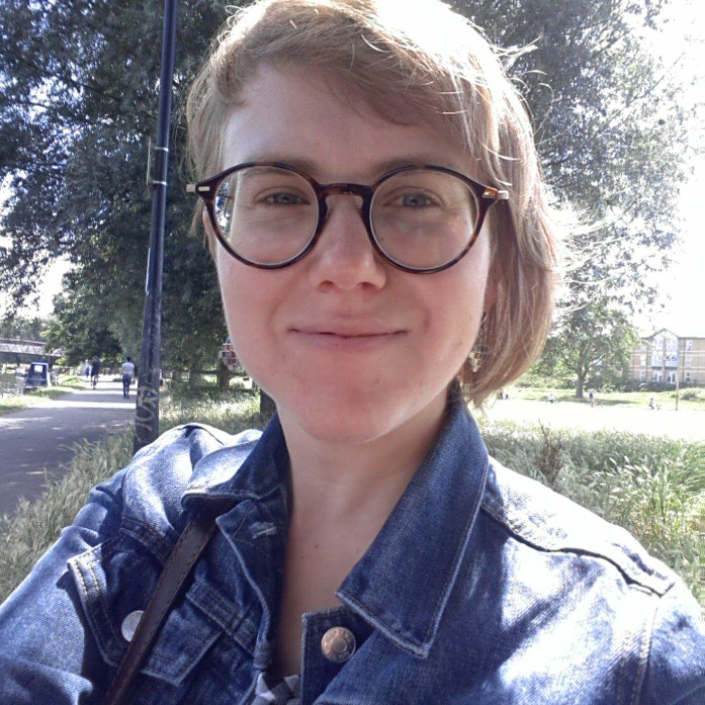 Ola Goclawska   I'm a second year PhD student in comparative literature; Polish, almost 30, Romance language lover, avid reader, technology...   Read more