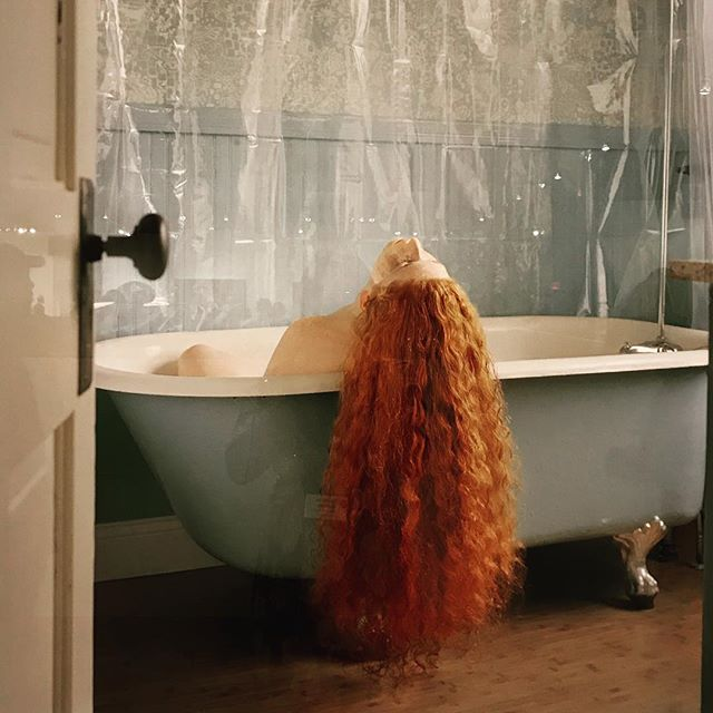 Jocelyn Lee @aipadphoto 🛀 . . . #jocelynlee #nyc #aipad #photography #contemporaryart #redhead #femaleartist #womeninart