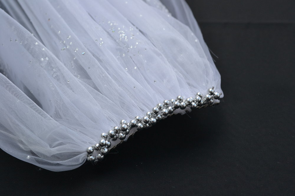 Sparkle pearl organza wedding veil