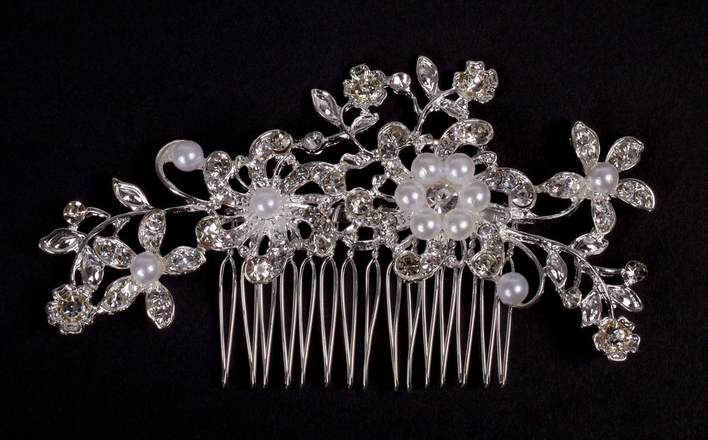 Diamonte and pearl hair comb