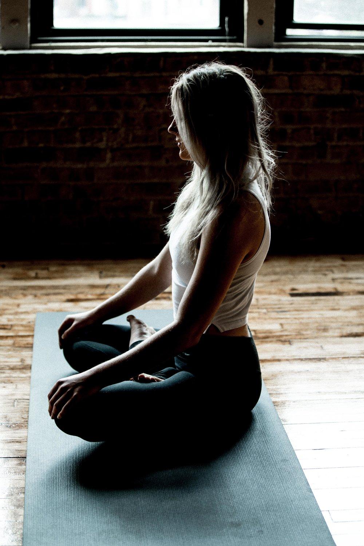 Emilie_yoga_33.jpg