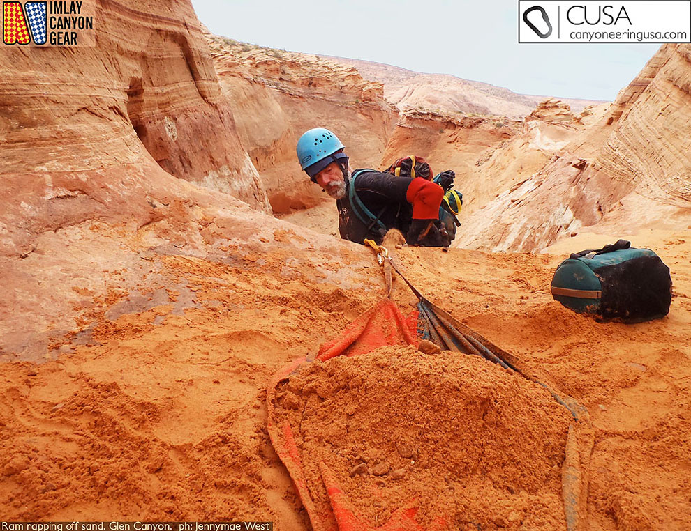 Steve Ram rapping off a SandTrap in Glen Canyon