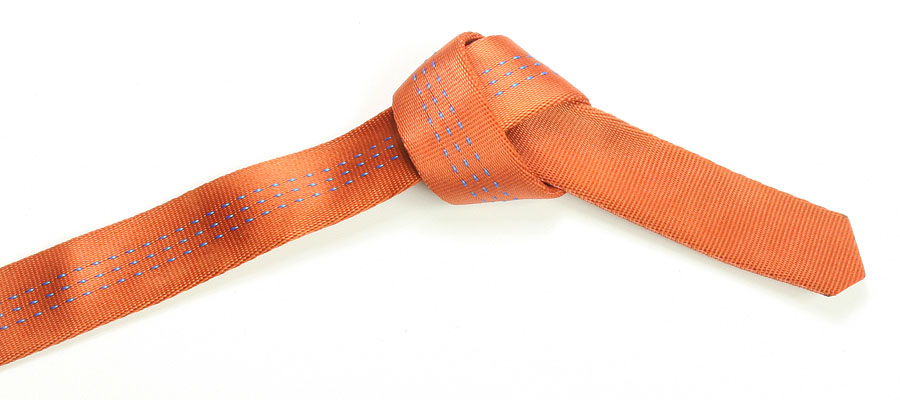 Begin with a overhand knot