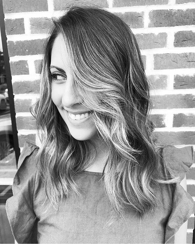 Hair by @glamedbycrystal for @nycut #dreamteam #mizutaniscissors #igk #igkhair #noboringhairever #hair #haircut #color #barber #longisland #nyc #nycut #cut #newyork #goodhair #coolhair #hairstyles #bayalage #behindthechair #americansalon @igkhair @behindthechair_com #beachclub #wedocoolshit