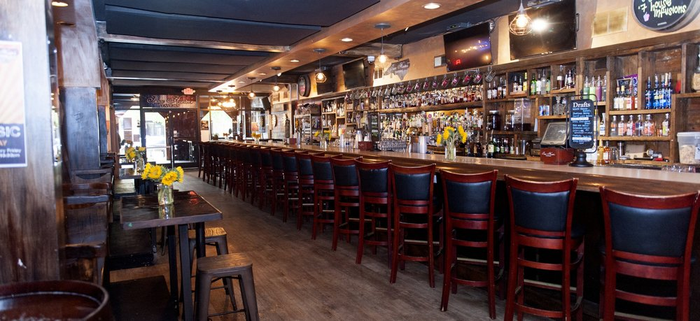 Isaac Hunter's Tavern - Downtown Raleigh's Neighborhood Bar