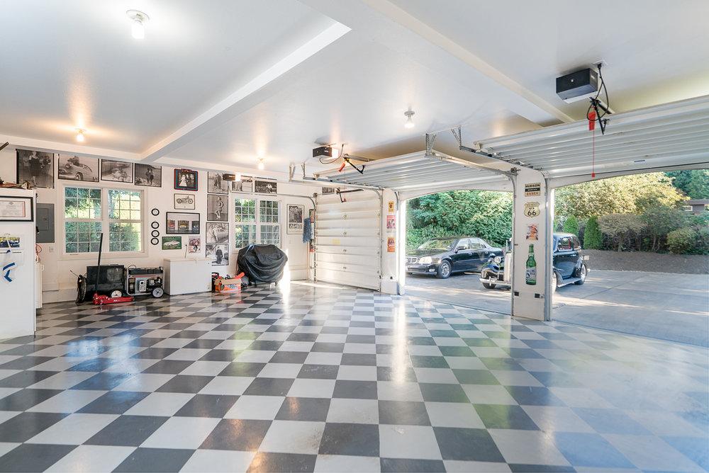 14. Main garage.jpg