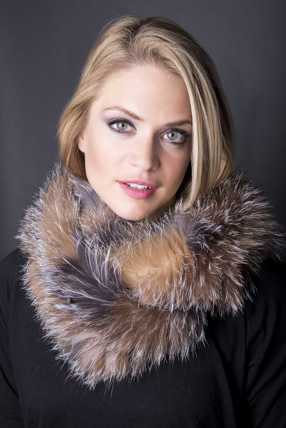 pat-flesher-furs-accessories-scarf-beige-grey-women.jpg