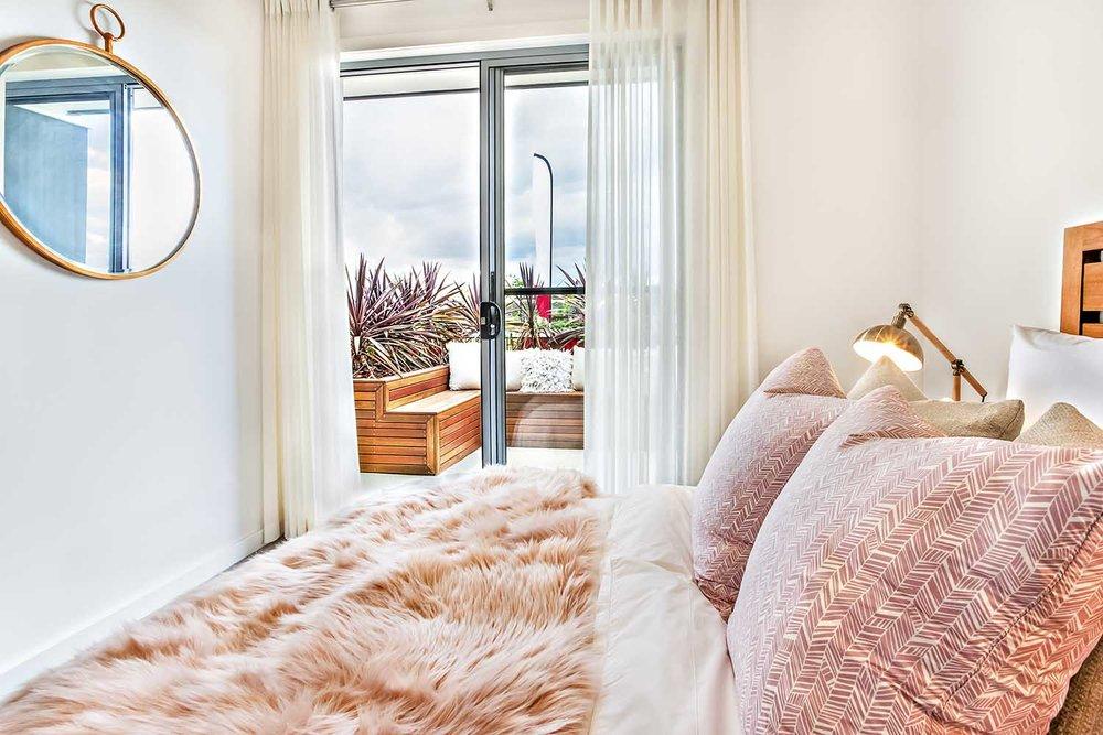 pat-flesher-furs-home-blanket-pink.jpg