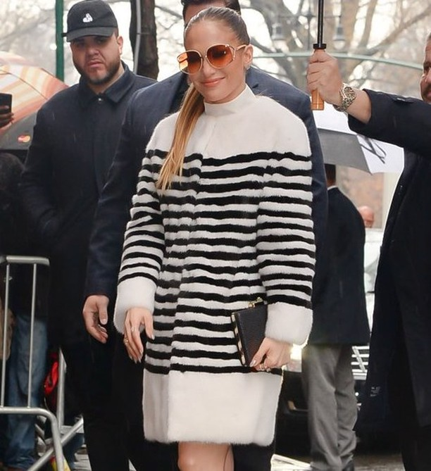 #ThrowbackThursday to last Spring when Jennifer Lopez stepped out in NYC rocking this Lilly e Violetta's striped mink. . . . . . #celebrityfashion #streetstyle #jenniferlopez #jlo #queen #stripes #mink #furfashion #fur #nyc #trendy #classy #potd #furtrends