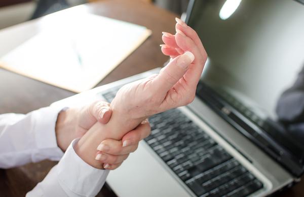 Desk-Job-sand-Workplace-Injuries.jpg