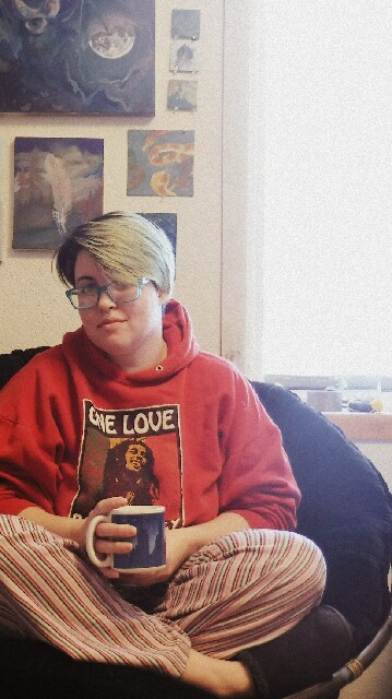 Yep, I paint in my pajamas! Today I'm sporting my boyfriend's hoddie, because dang it's cold in here!
