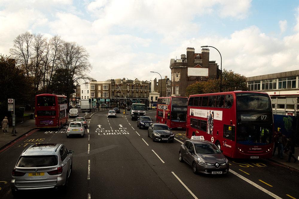 celebrele autobuze roșii