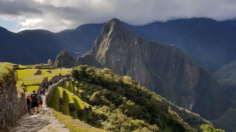 drumul pe Încă Trail către Machu Picchu este magic