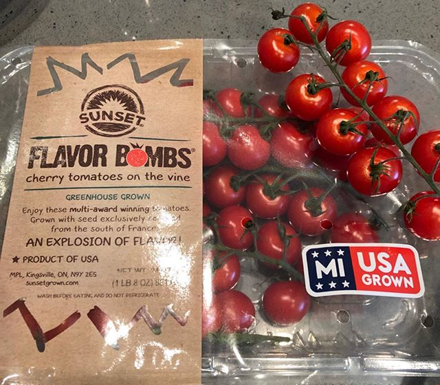 Happy Thursday, here is my new obsession, Sunset Flavorbombs. These are the BEST little tomatoes I have ever tasted. They burst with sweetness in every bite. #pennykraftco #sunsetflavourbombs #healthyliving #veganlife #healthyinsideout ##HEYtrythis #tomatoes