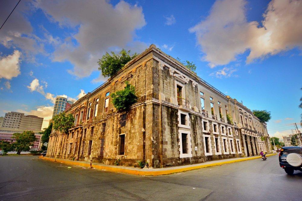 Allan_Jay_Quesada-_DSC_3996_Intendencia_Ruins,_Intramuros,_Manila.jpg