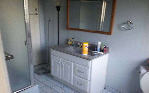 bathroom-before.PNG