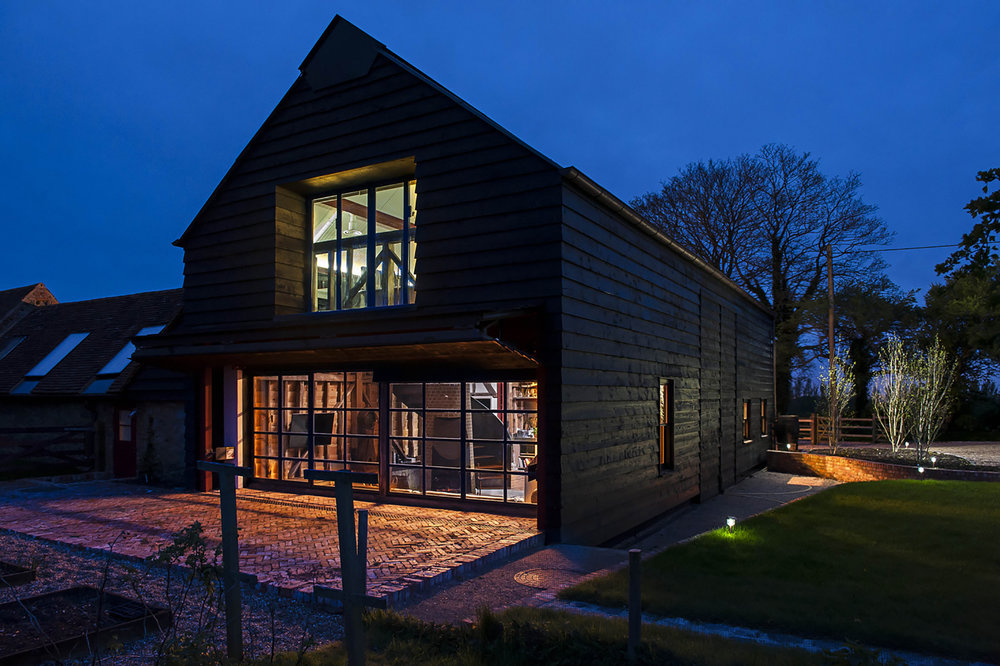 goCstudio_Party Barn_bifold night.jpg