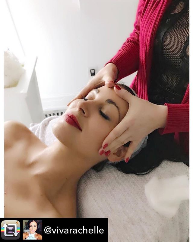 We have an opportunity to win a FREE delux medi- facial ( Value $295) this Tuesday. To qualify repost this and tag us @katenicoleinc )- the winner will be announced later today ................Repost from @vivarachelle using - Love your SKIN! ❤️😍 I had the most wonderful #customizedfacial today @katenicoleinc and I am blown away with the results. My #skin is literally #glowing and cant get over how smooth it feels. Kathleen works in a progressive and innovative approach to #anti-aging and functional medicine. Meaning she knows the science behind our skin to make it glow from the inside out! Go check out her stunning clinic in Yorkville! 💆🏻‍♀️💕 #glowingskin