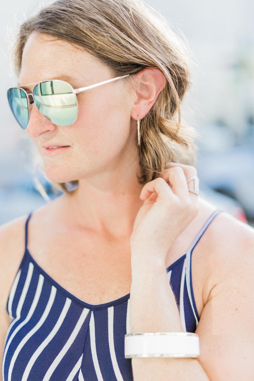 striped sunglasses, mirrored aviators