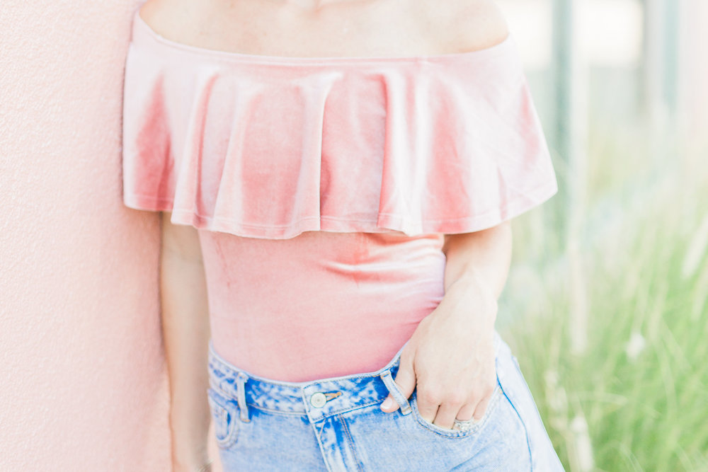 hey jode, style, fashion, pink bodysuit, summer look