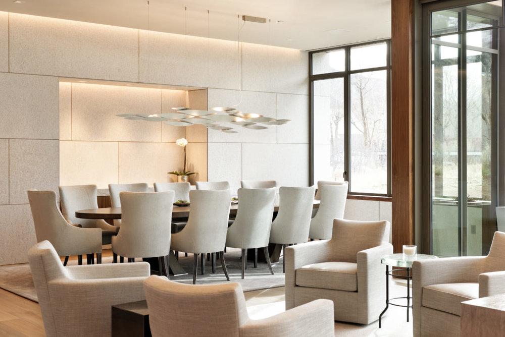 PAIGE LARKIN WESTCLIFFE DINING TABLE [STYLE: W1051-201]