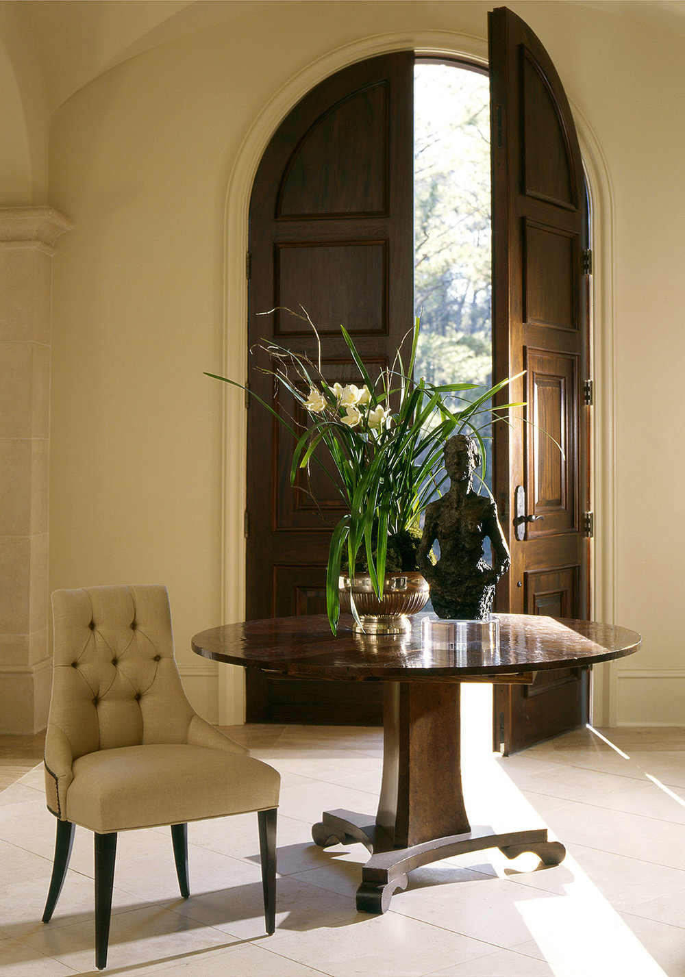 ROBERT BROWN INTERIORS THREE-FOOTED PEDESTAL TABLE [STYLE: CUSTOM W1007]