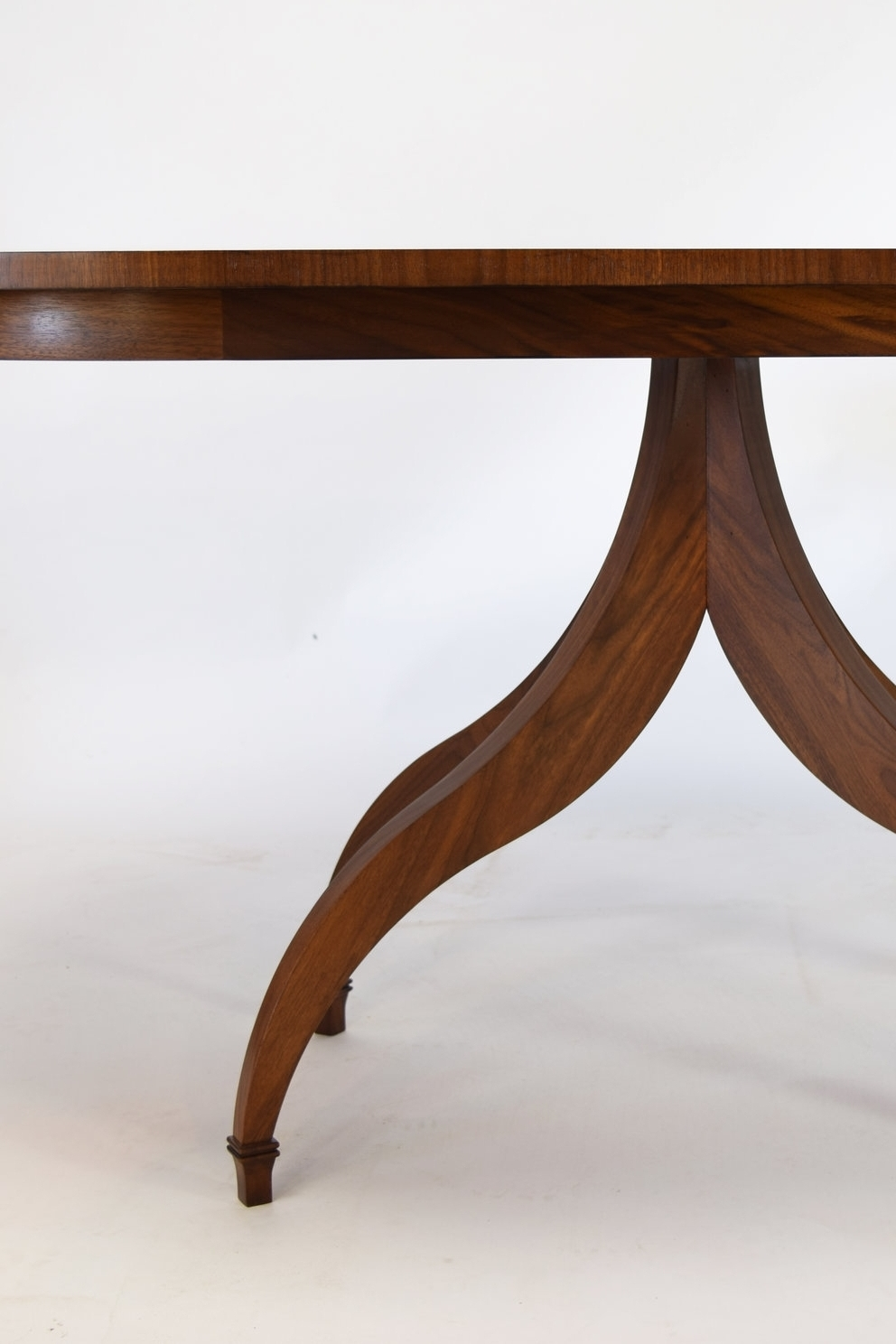 Fondis Table.jpg