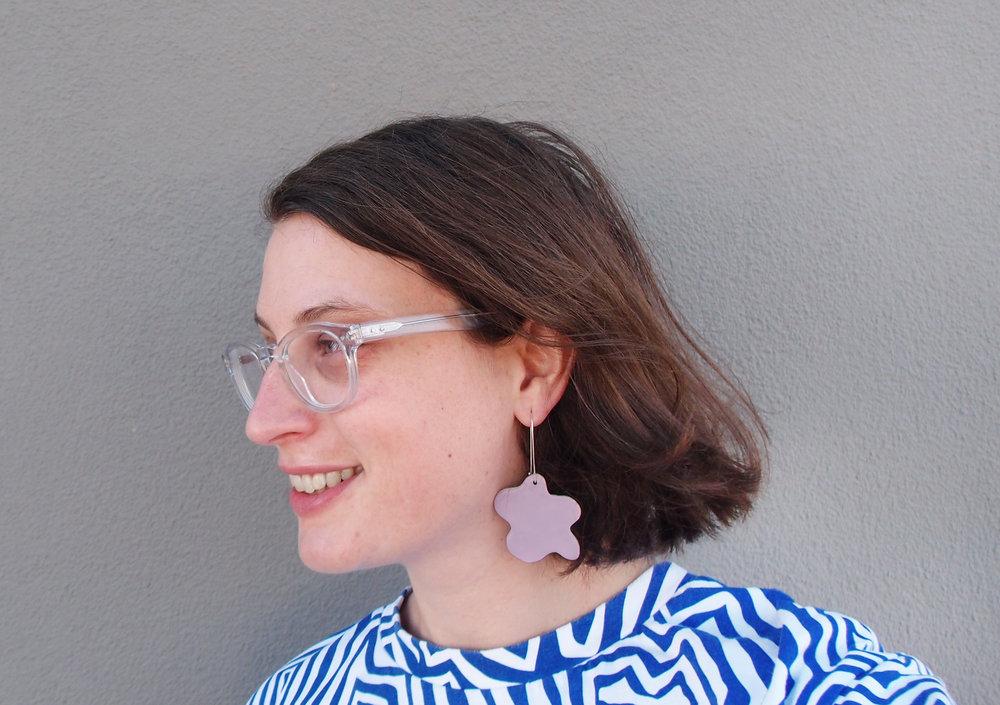 Esther Sandler _ profile Pic.jpg