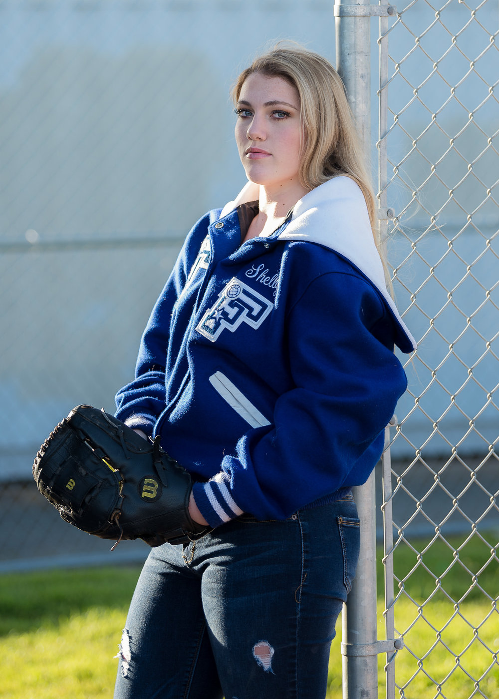 HumboldtCountySeniorPhotographer-Shelby-FortunaHigh-Softball.JPG