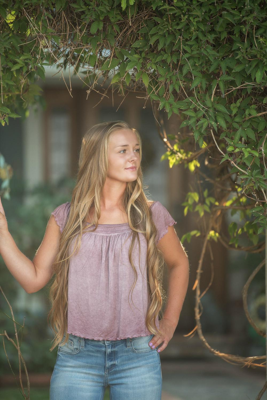Emily-SeniorPortraits-HumboldtCounty-Parky'sPics-Horse-4.jpg