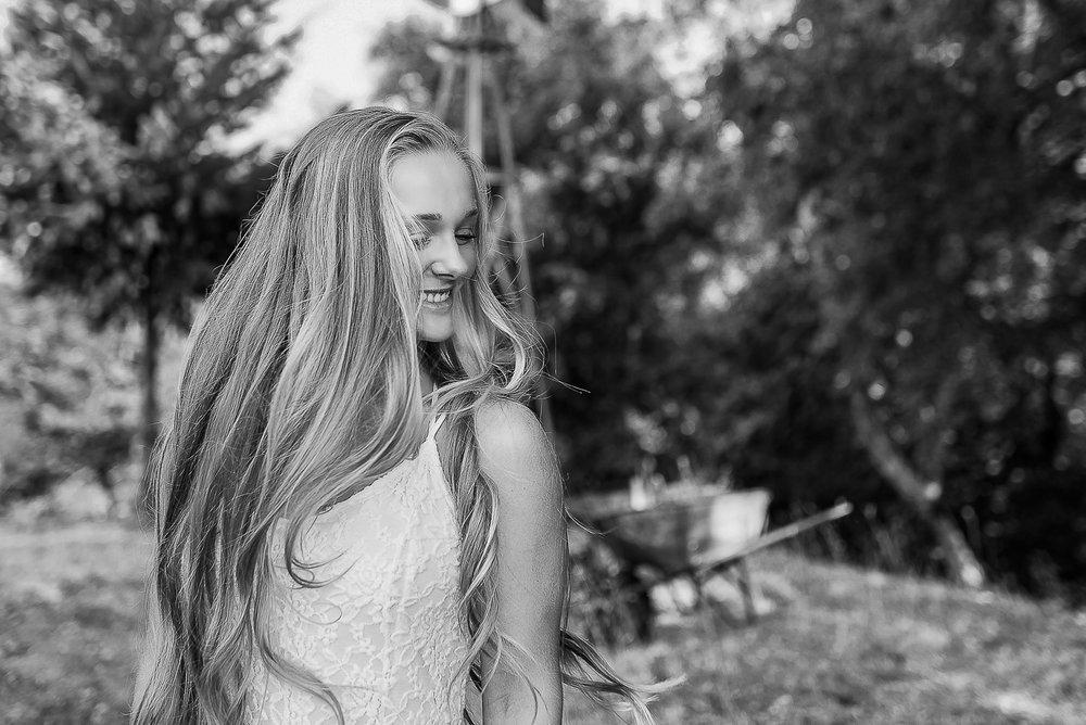 Emily-SeniorPortraits-HumboldtCounty-Parky'sPics-Horse-33.jpg