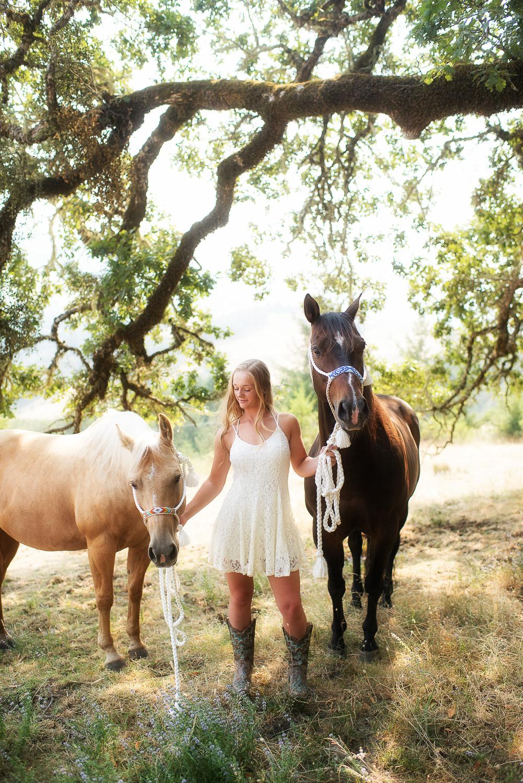 Emily-SeniorPortraits-HumboldtCounty-Parky'sPics-Horse-37.jpg