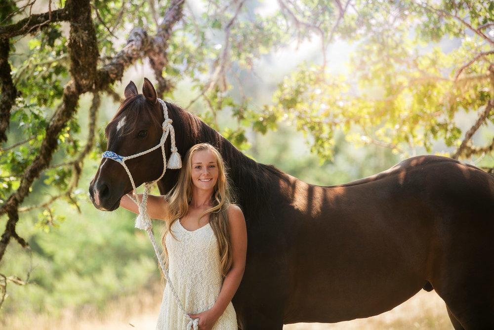 Emily-SeniorPortraits-HumboldtCounty-Parky'sPics-Horse-39.jpg